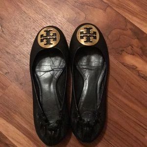 Used Tory Burch reva ballet size 7. Gently used